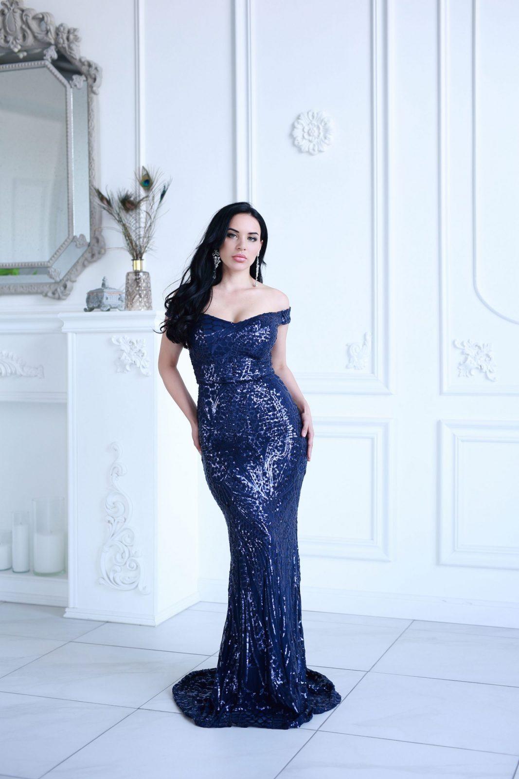 Blue Izabella